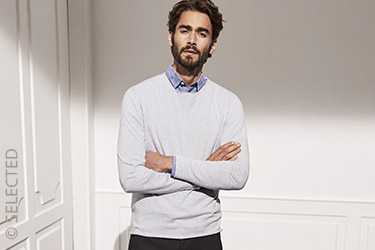 Lightweight knitwear